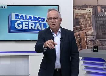 Manifestantes ocupam Câmara Municipal de Aracaju e pedem direito a moradia