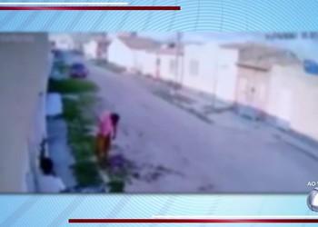 Homem morre após receber facadas em Itabaiana; câmera de segurança registra ação
