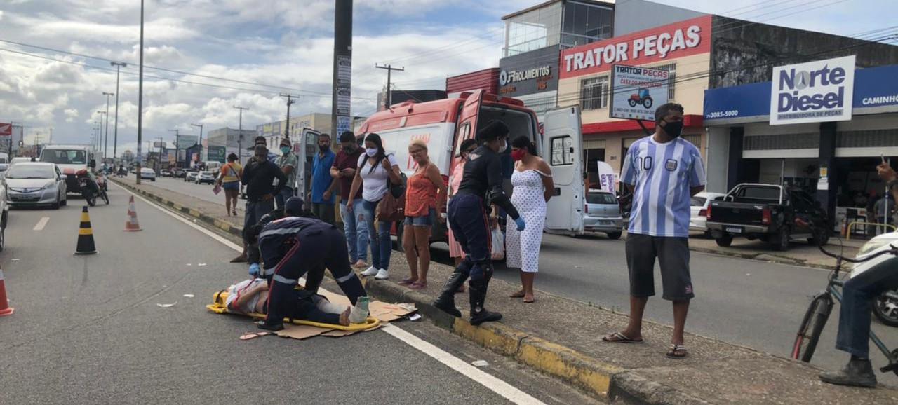 Acidente na Osvaldo Aranha deixa vítimas gravemente feridas